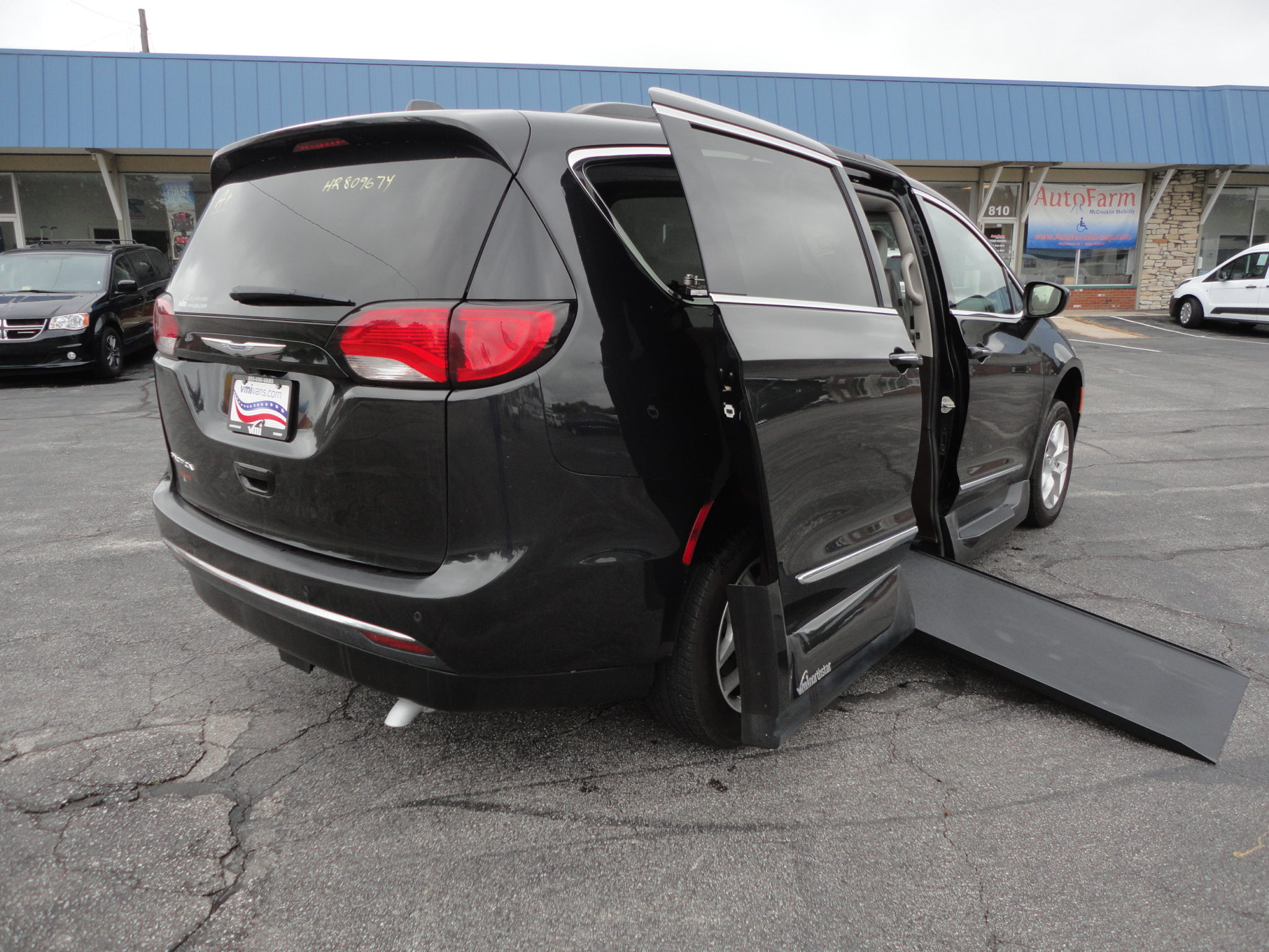 2017 Chrysler Pacifica Touring Vmi Northstar Conversion